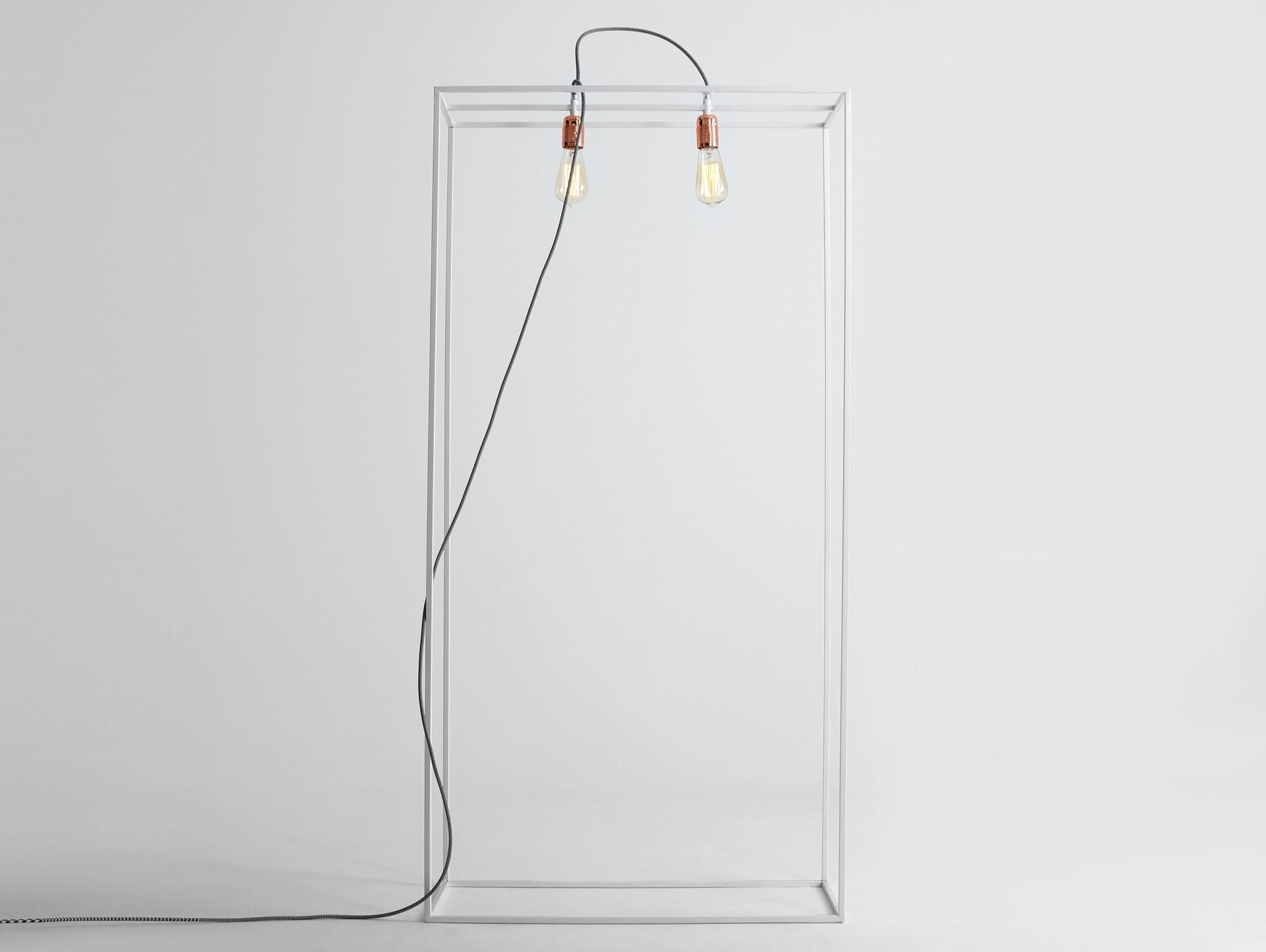 Stehlampe METRIC M
