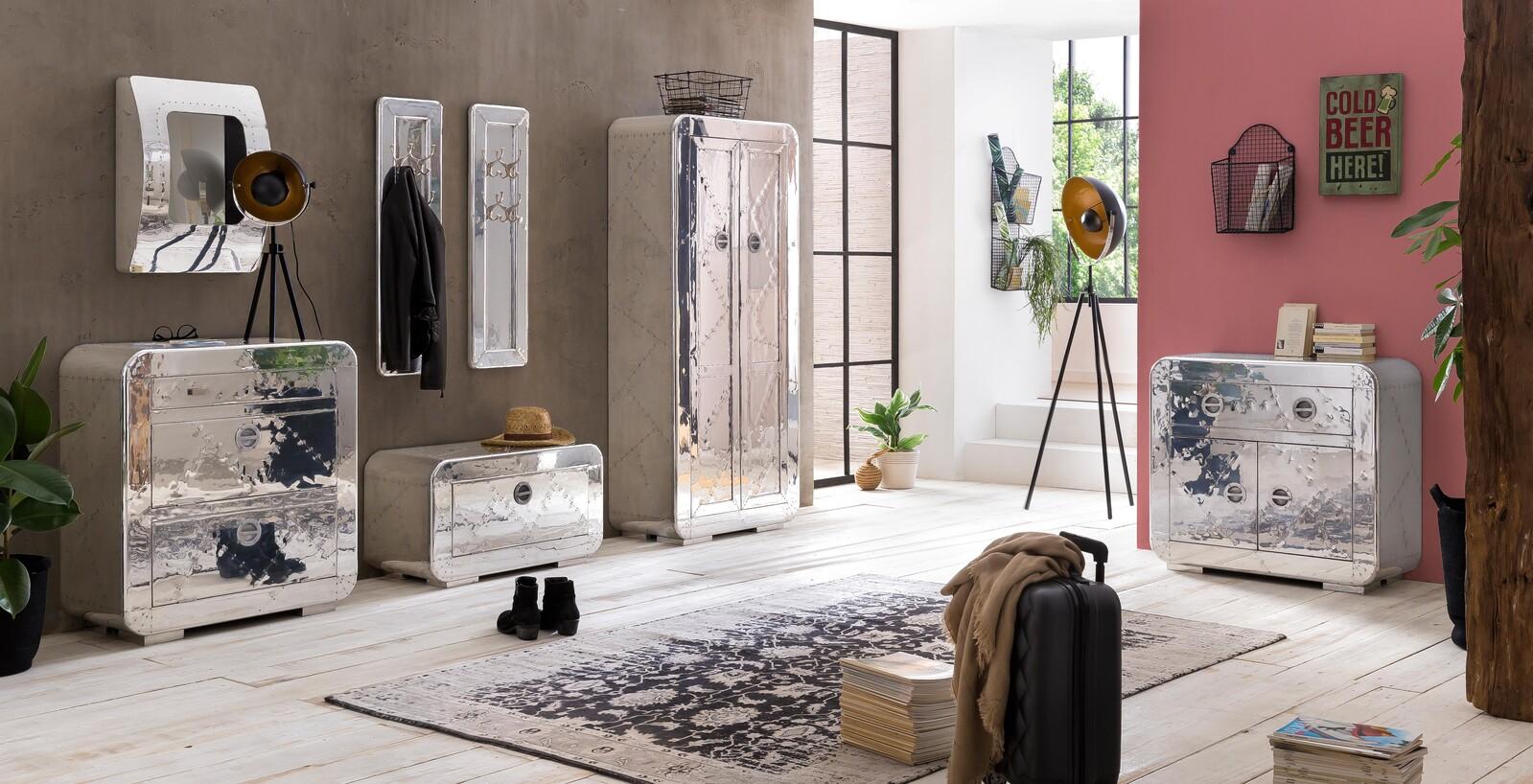 AIRMAN Garderobe